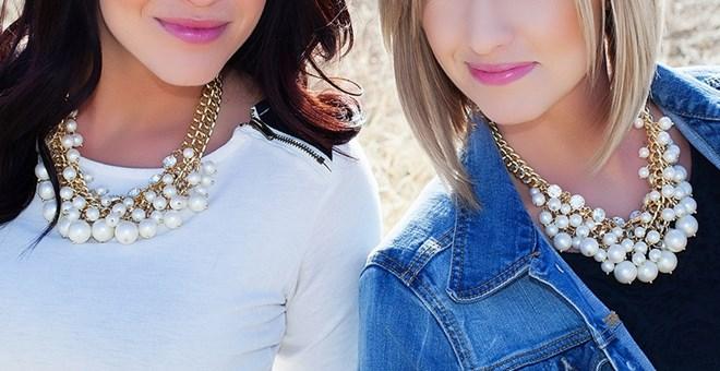 Caroline's Necklace from 2 Broke Girls